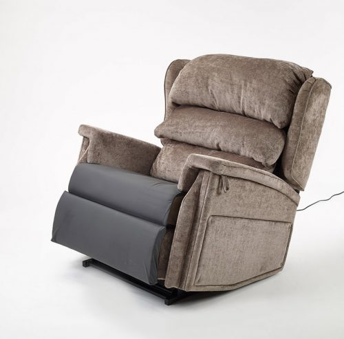 Bariatric tilt in space recliner chair in reclined position